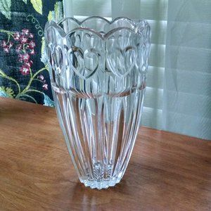 Beautiful Crystal Vase with Scalloped Heart Rim